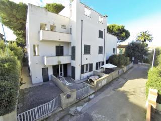 T8 - Attico 4 vani con 2 ampie terrazze a tetto, Marina di Cecina