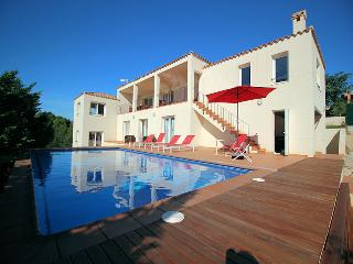 Villa 10 pers. L'Ametlla de Mar, pool, 700m to the sea, air condition, Wifi.