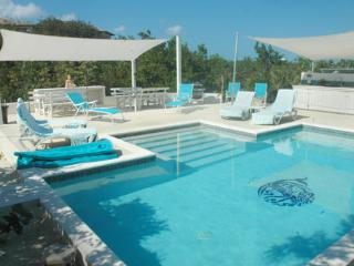 4BR Hideaway with Pool Oasis near Secluded Beach, Providenciales
