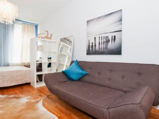 455-3B Amazing Studio at Times Square Midtown West, New York