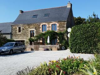 Dog friendly B&B, 2 mins from Josselin