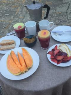Breakfast on the lower terrace