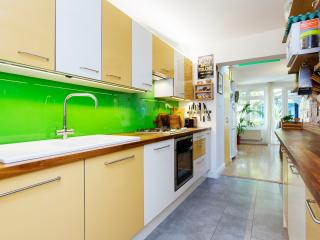 A colourful four-bedroom family home in Queen's Park., Londen
