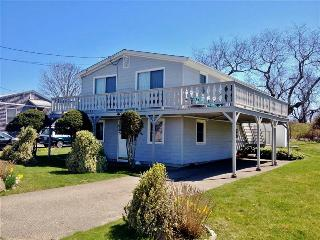 Book Now!! Sunny 2BR Narragansett Home w/Huge Wraparound Deck & Outdoor Shower - Steps from Fishermen's Memorial State Park