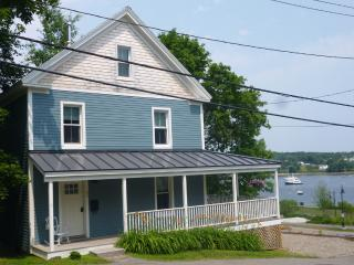 3BR/1.5 BA Historic Waterfront Home in Belfast - Charming Town & Scenery! Free Wi-Fi!