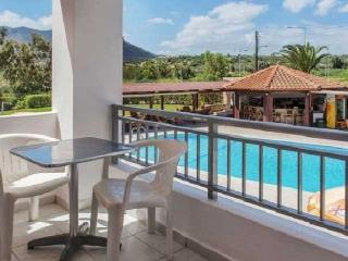Cozy Apartment With Large Pool, Chersonissos