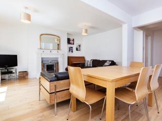2 bed flat, Evangelist Road, Kentish Town, London