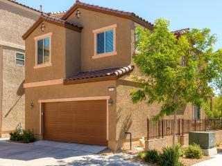 Brand New 3BR Las Vegas House w/Community Pool Access - 20 Miles to the Strip & Easy Access to All Major Shopping Centers!, North Las Vegas
