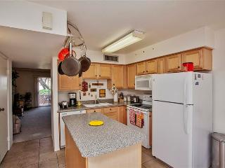 Alluring 2BR Mesa Townhome on Private Golf Course