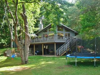 NEW! Lakefront 3BR Luck Cabin w/Zip Line & Fire Pit