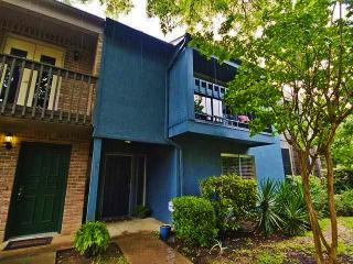 Spacious Austin Condo w/Patio - 9 Miles from Dwtn!