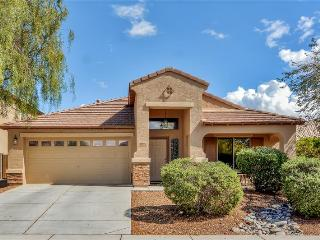 Close to Cardinals Stadium! Gorgeous 3BR Goodyear Home w/Wifi & Full Cable - Close to Cactus League Ballparks & All Sporting Events! Close to PIR (Phoenix International Raceway)!