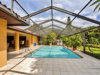 Remarkable 3BR Bonita Springs House w/Wifi, Private Enclosed Heated Pool & Nice Backyard - Very Close to Beaches, Fishing, Dining, Phenomenal Golf Courses & More!