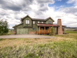 Beautifully Rustic 3BR Granby House on Grand Elk Golf Course w/Private Patio & Uninterrupted Mountain Views - Near Fishing, Skiing & Much More!