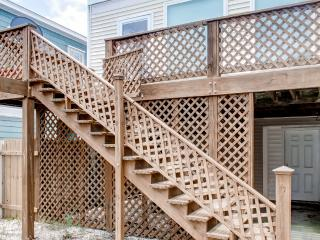 Inviting 3BR Kure Beach Townhome w/ Wifi, Gas Grill – Walk to the Beach, the