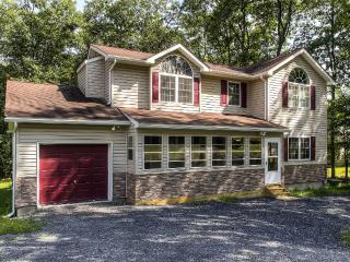 Bushkill House w/Deck & Resort Community Amenities