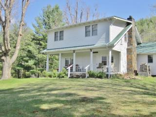 Pleasant 3BR Burnsville House on 15 Private Acres!