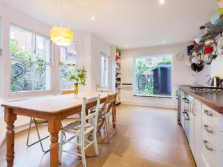 4 bed house on Ronalds Road, Highbury & Islington, London