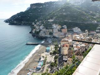 Casa Maria Vittoria 2 bedrooms sea view balcony free WI FI air condition Kitchen, Minori