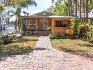 Upscale 2BR Riverfront Astor Home on St. Johns River w/Wifi, Boat Dock & Spectacular Sunset Views - Private Paradise, Minutes from Numerous Local Attractions!