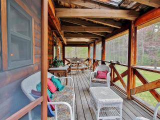 Classic 2BR Olivebridge Log Cabin on 1.5 Acres in Catskill Park - In the Heart of NY's Hudson Valley