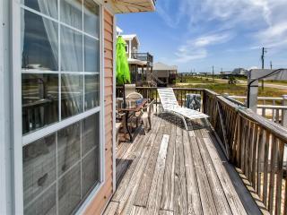 3BR Dauphin Island Cottage w/ Deck & Gulf Views