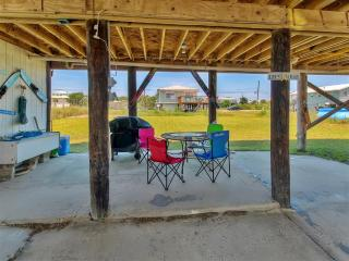 Breathtaking 3BR Dauphin Island Cottage w/Private Deck & Great Gulf of Mexico Views - Near Beautiful Beaches & Local Attractions!