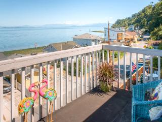 'Sea Breeze Overlook' Camano Island Escape!