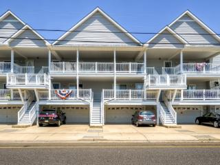 Sleek 3BR Wildwood Condo w/Private Deck!