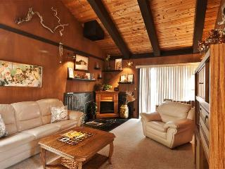 Lake Tahoe Condo w/Balcony - Near Beach & Slopes!