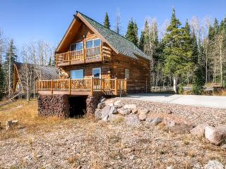 3BR Brian Head Alpine Cabin w/Sweeping Views of Giant Steps - Walk to the Lifts!