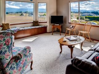 A Charming Fly-in; Drive-in, 3BR Sequim Home w/ Spectacular Olympic Peninsula