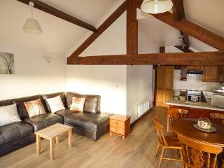 FLAT COTTAGE, pet-friendly, ground floor cottage in Llantysilio, Ref 25992