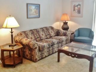 Conveniently Located 2BR San Antonio Condo w/Wifi - Easy Access to Downtown San Antonio, Fiesta Texas & Sea World!