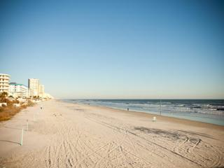 BIKE WEEK DAYTONA 2016 - 1 BDR CONDO OCEANFRONT, Daytona Beach