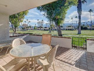 Spacious haven for golf lovers w/shared pools, hot tubs & discounted rates!, Rancho Mirage