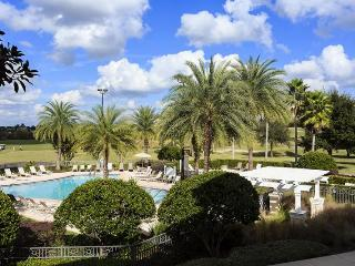 Family 3 Bed Condo with Pool - Close to Disney!, Loughman