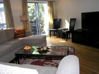 **PRIVACY* LUXURY* PARLIAMENT &BYWARD MARKET**