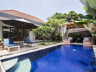 FREE CHEF - Umalas Retreat 5, (3 bed villa)