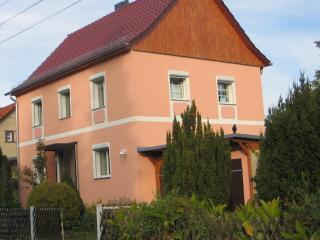 Vacation Home in Berlin-Biesdorf - 1184 sqft, central, bright, comfortable (# 5154), Hallerndorf