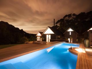 Maison Noir - award winning Villa in the mountains, Hout Bay
