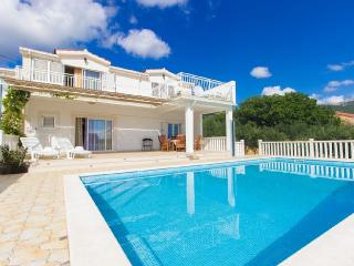 House wih pool, for active holiday, Kastela, Kastel Novi