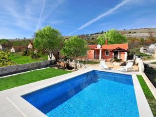 Small house with pool, Trogir