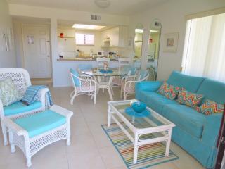 OCEAN VILLAGE CLUB C31, BEACH, POOLS, TENNIS WIFI, Saint Augustine Beach