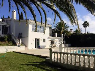 Lovely modern Villa with big pool and views, Mijas