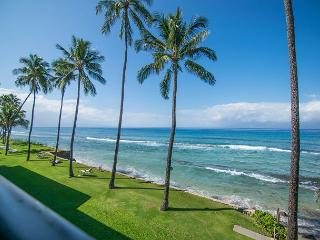 Direct Oceanfront! Sleep to the Sound of the Waves!, Lahaina