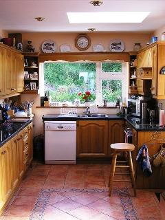 SUNNY, CLEAN, FULLY EQUIPPED KITCHEN