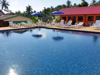 Bungalow & Pool near Chaweng Beach A