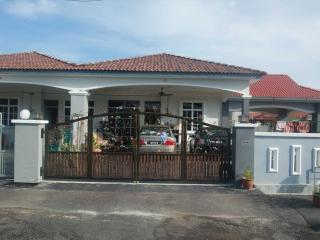 Kak Ani Homestay ( FOR MUSLIM ) max 7 person, Langkawi