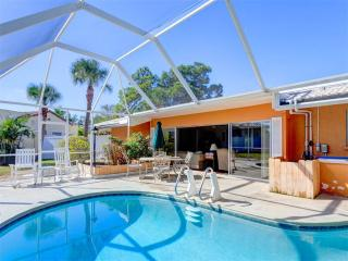 Harbor Paradise Home, 4 Bedrooms, Private Heated Pool, HDTV, WiFi, Sleep 12, Venice